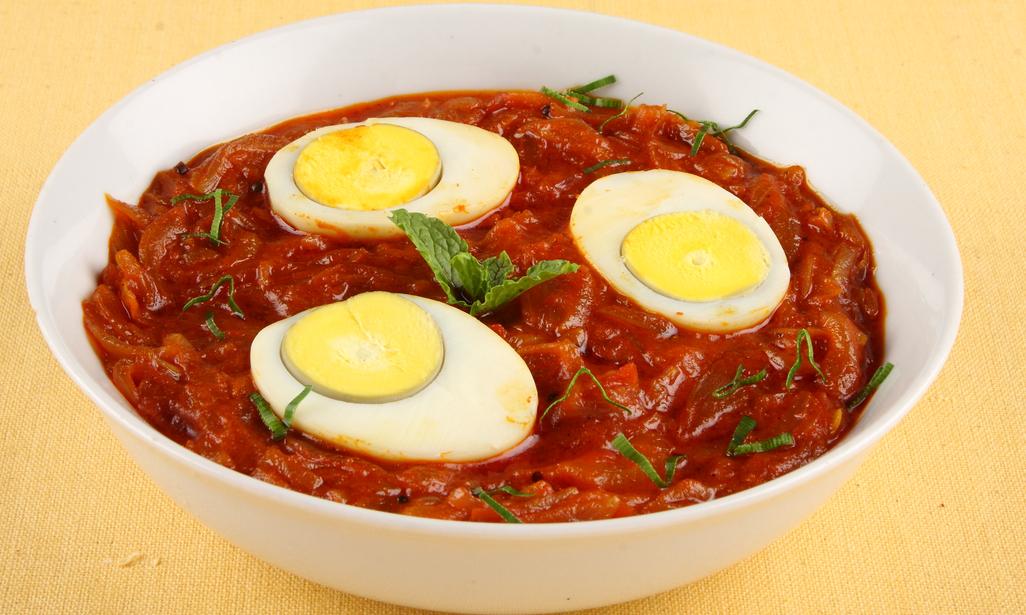 Thai Fried Rice with Egg, Garlic and Shrimp - Easy Thai Rice